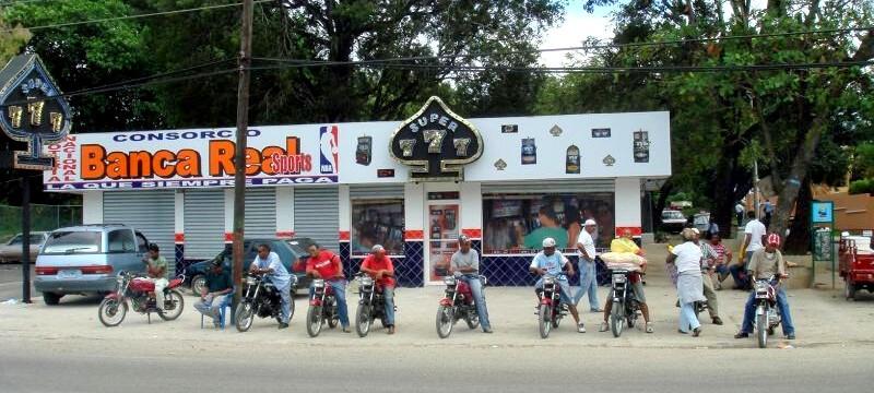 mopedi-dominikana-peso